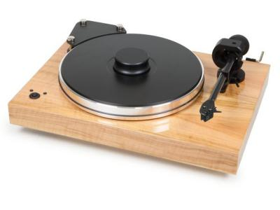 Project  Audio Highend turntable with 9